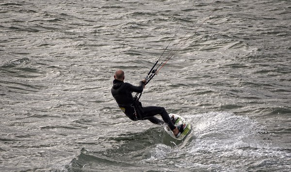 kitesurfing in the Dingle Peninsula