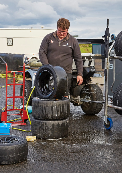 Cleaning Time at Knockhill Racing Circuit - 12 August 2017