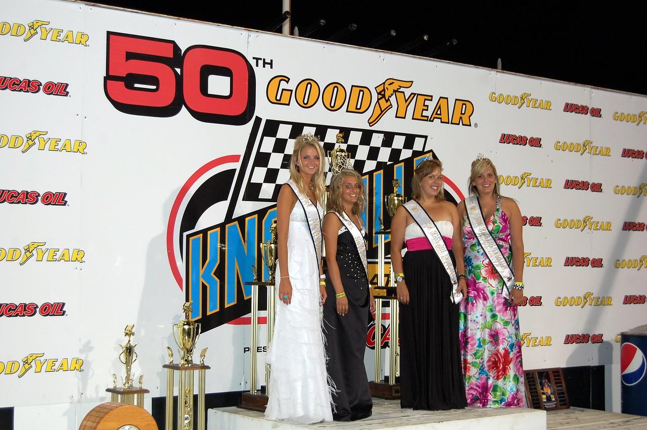The Queens Brooke Hickman, Jennifer Nissen, Allie Wolfgang, Chelsey Greubel