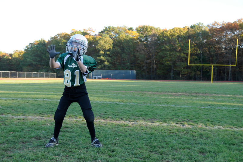 Coach Hauser 9 Year Olds<br /> Smithtown Bulls vs. Longwood Lions<br /> Sunday, October 16, 2011 at 10:20am<br /> FINAL Bulls 14, Lions 8<br /> Post Game Fathead Photo Shoot