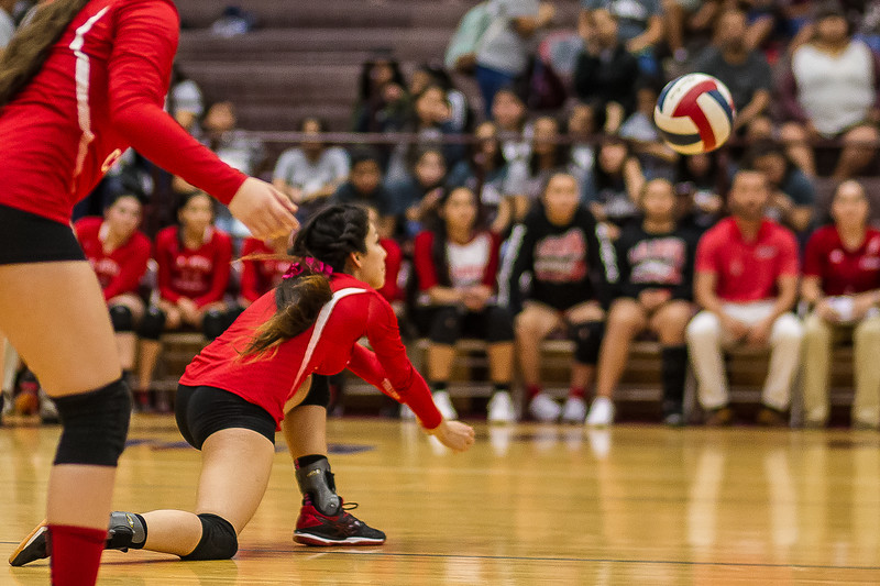 2016 10 04 Mission v La Joya Volleyball_dy-22.jpg