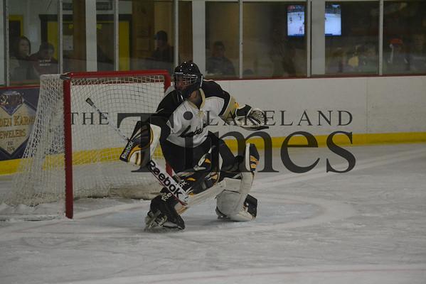 Lakeland Boys' Hockey vs. Medford 12-5-13