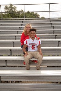 LHS_Football_Moms_6075_Taylor_