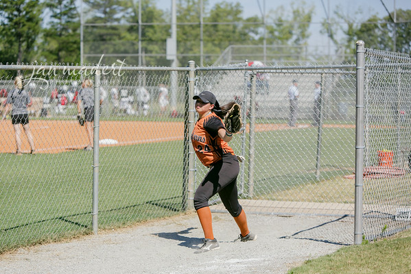 JMad_Lanier_Softball_JV_0826_14_004