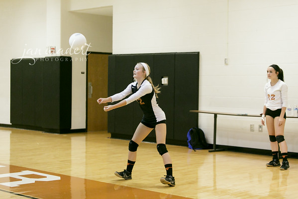 JMad_Lanier_Volleyball_Varsity_0828_14_001