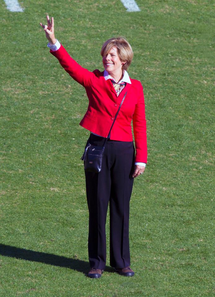 Carol Robertson Ray, representing the Robertson family