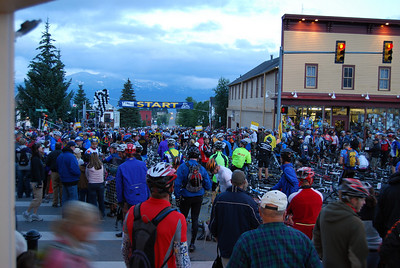 One Thousand riders wait for the start of the 2008 Leadville Trail 100.