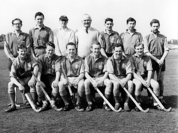 A record breaking 1963/4 side, playing 27 matches and losing only 2. 52 goals for, 16 against.