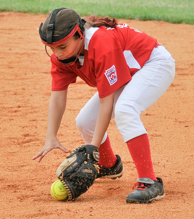 Jeff/GRC All-Star second baseman Cadence Northern  fields a ball during Sunday's 9/10 year old State Tournament semifinal game against Yorktown. Photo by Joe Ullrich