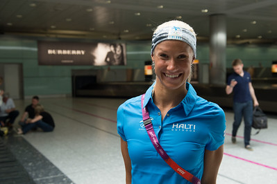 Hanna-Maria Seppälä at the Heathrow airport__25.0712_London Olympics_Photographer: Christian Valtanen_London_Olympics_25.07.2012__ND46108_hanna-maria seppälä, swimming, uinti