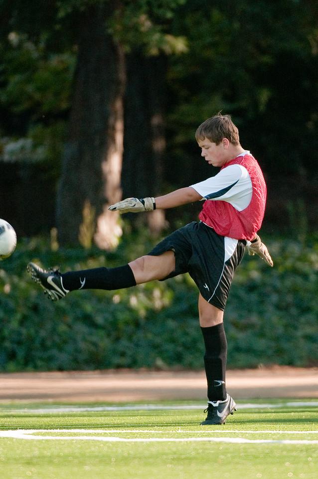 Los-Altos-Soccer-U16B-20091101161411_3167