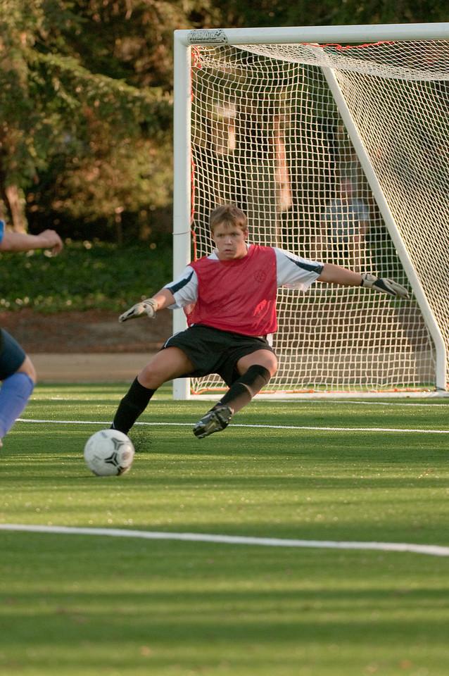 Los-Altos-Soccer-U16B-20091101164050_3235