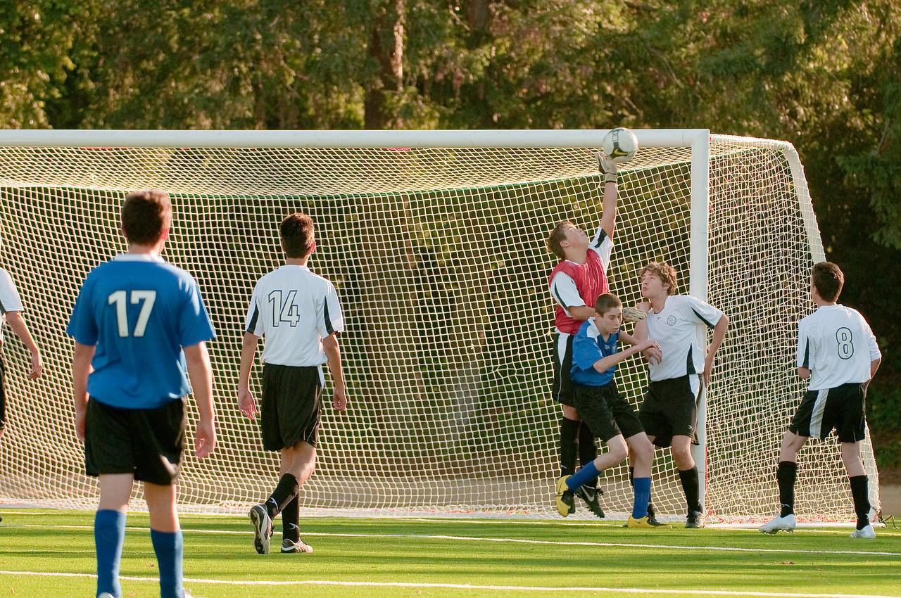 Los-Altos-Soccer-U16B-20091101161357_3162