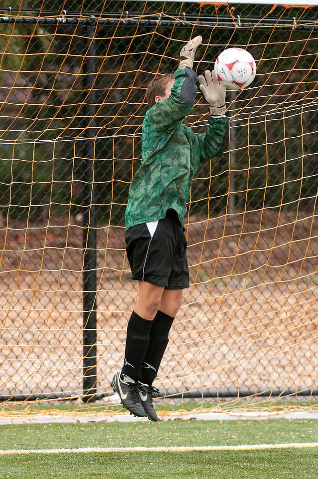 Los-Altos-Soccer-U16B-20091018145236_2207