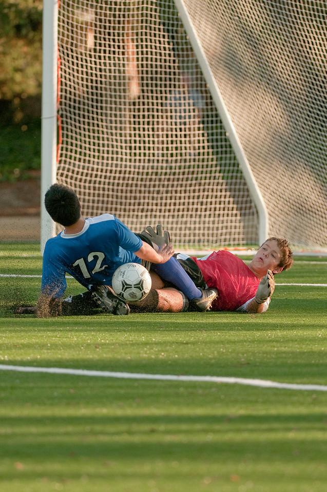Los-Altos-Soccer-U16B-20091101164051_3239