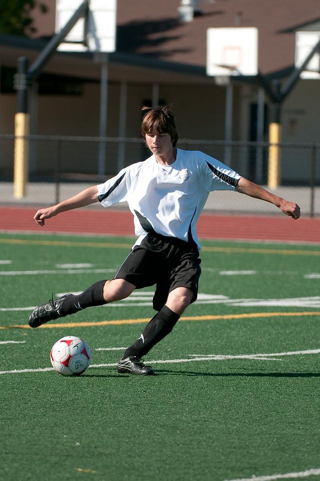 Los-Altos-Soccer-U16B-20090920155421_9839