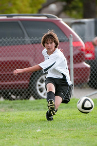Los-Altos-Soccer-U16B-20090913152603_8884