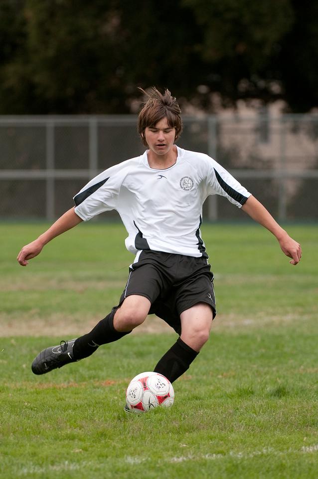 Los-Altos-Soccer-U16B-20090913135449_8456