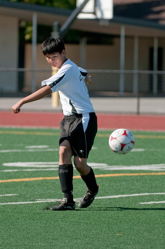 Los-Altos-Soccer-U16B-20090920155534_9869