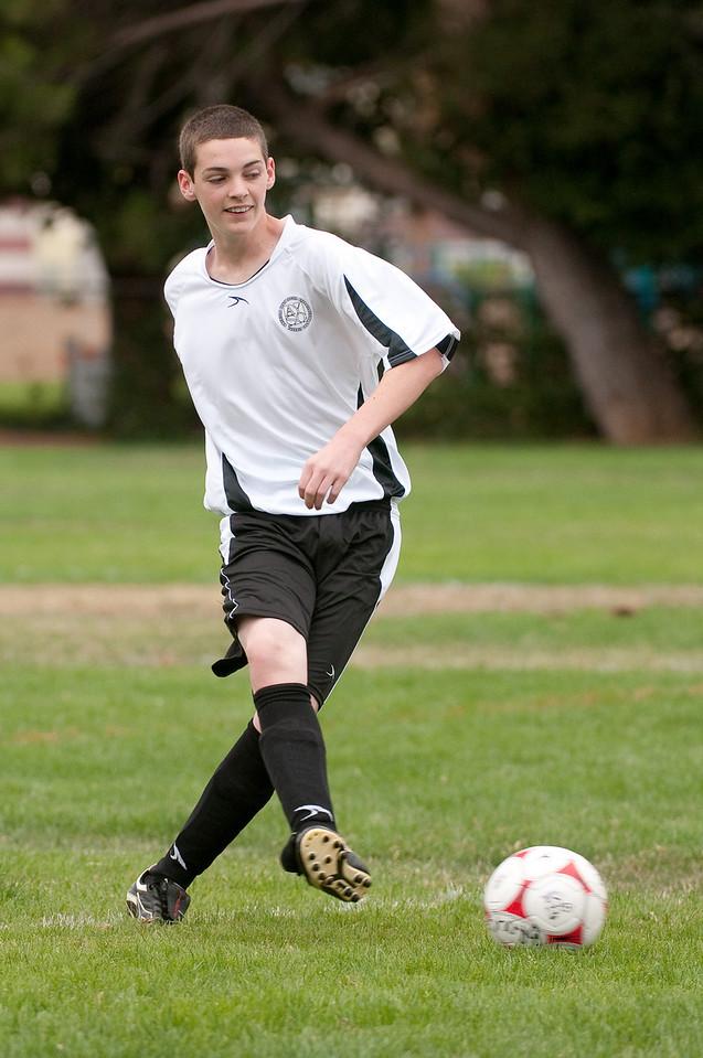 Los-Altos-Soccer-U16B-20090913135523_8478