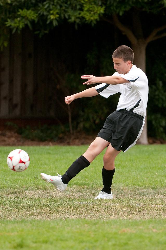 Los-Altos-Soccer-U16B-20090913135822_8514