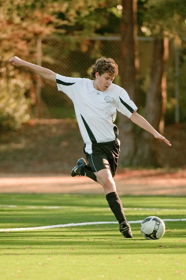 Los-Altos-Soccer-U16B-20091101163332_3213