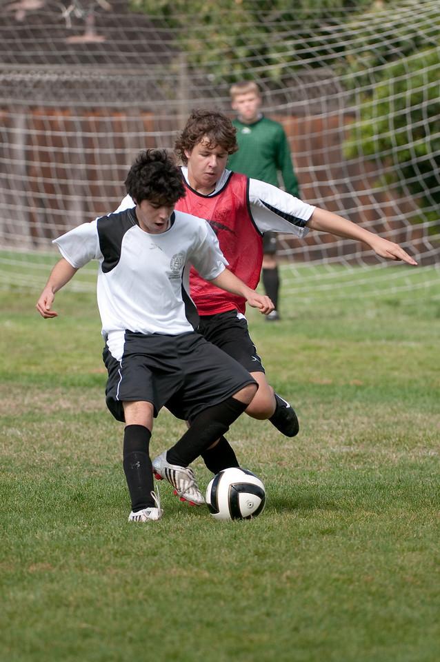 Los-Altos-Soccer-U16B-20091011122246_21474