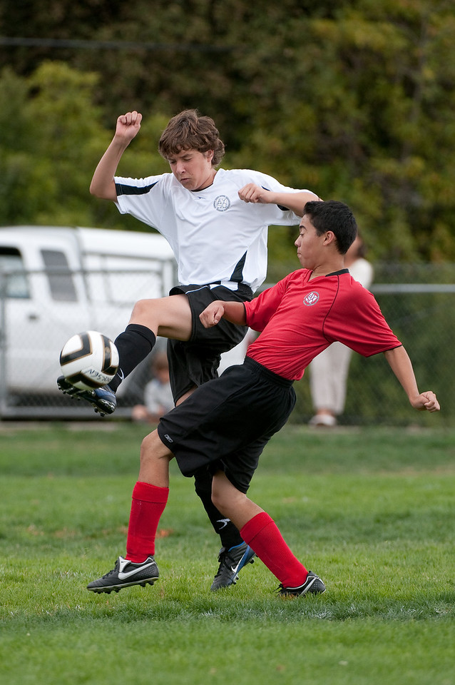 Los-Altos-Soccer-U16B-20090913150043_8811