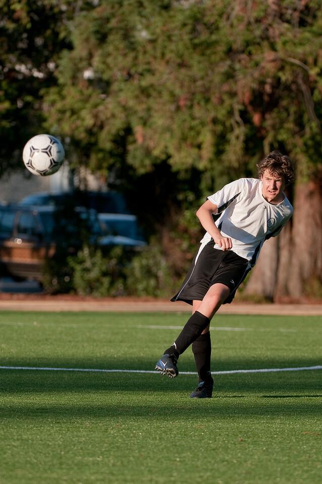 Los-Altos-Soccer-U16B-20091101171214_3272
