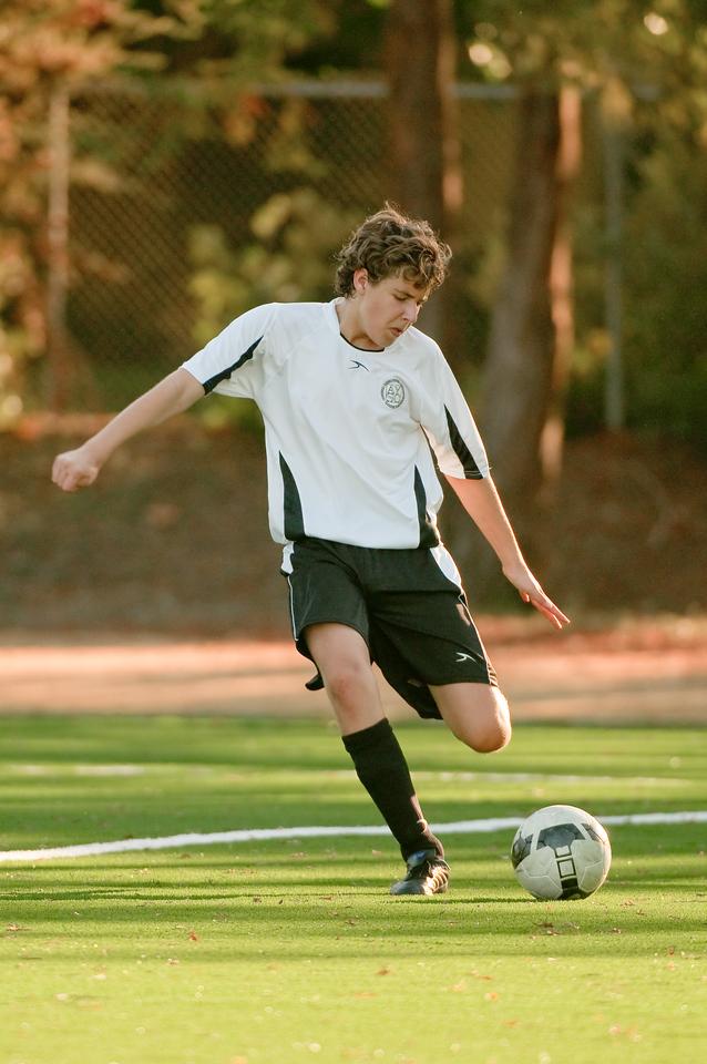 Los-Altos-Soccer-U16B-20091101163332_3214