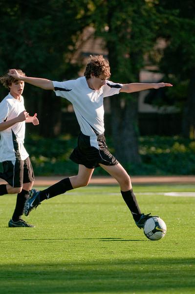 Los-Altos-Soccer-U16B-20091101161150_3146