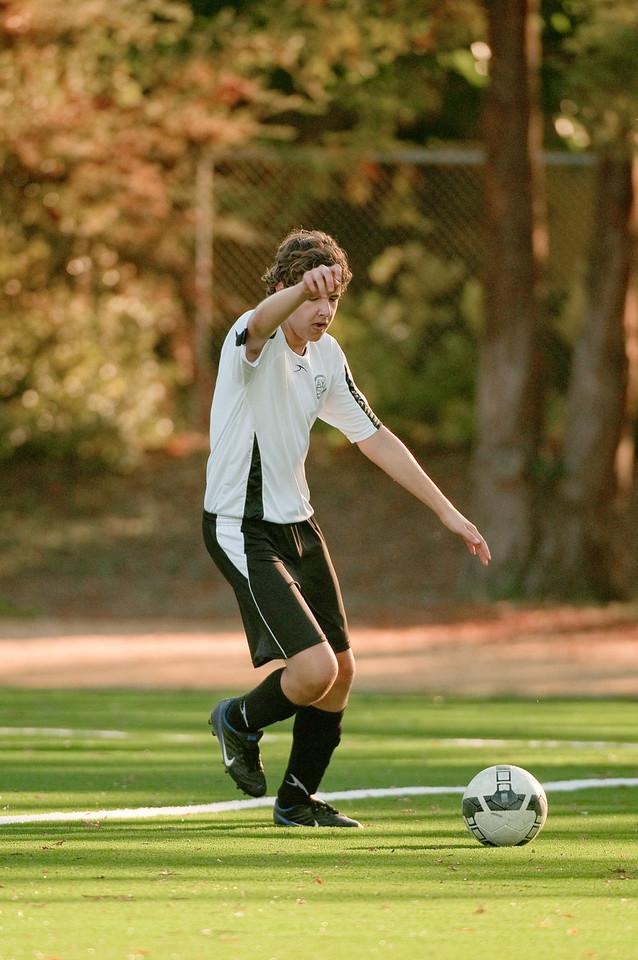 Los-Altos-Soccer-U16B-20091101163332_3211