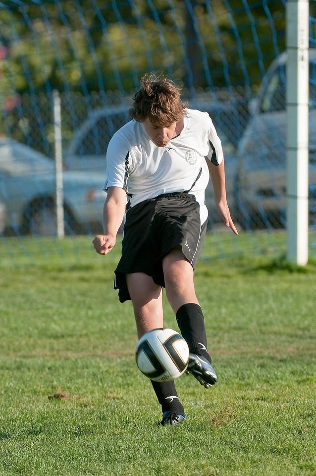 Los-Altos-Soccer-U16B-20091004165628_21070