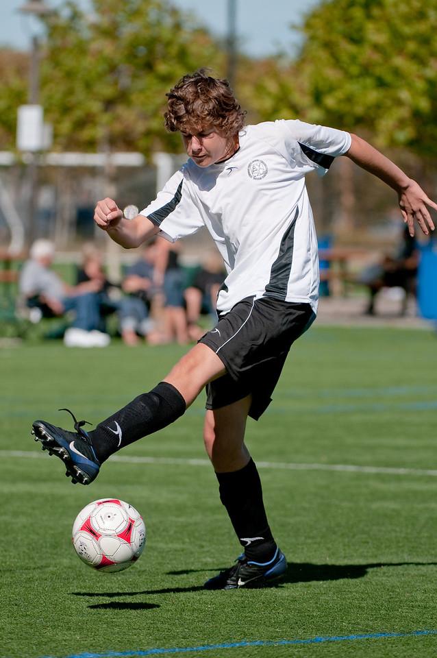 Los-Altos-Soccer-U16B-20091025125633_2376