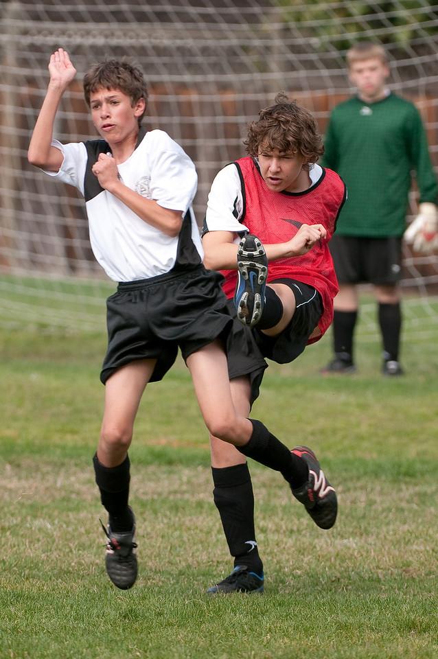 Los-Altos-Soccer-U16B-20091011122227_21471