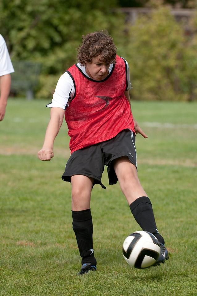 Los-Altos-Soccer-U16B-20091011121420_21455