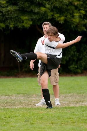 Los-Altos-Soccer-U16B-20090913135708_8496