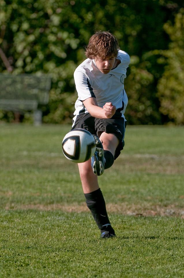 Los-Altos-Soccer-U16B-20091004161407_20971
