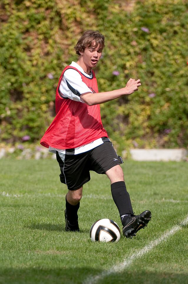 Los-Altos-Soccer-U16B-20091011120240_21410