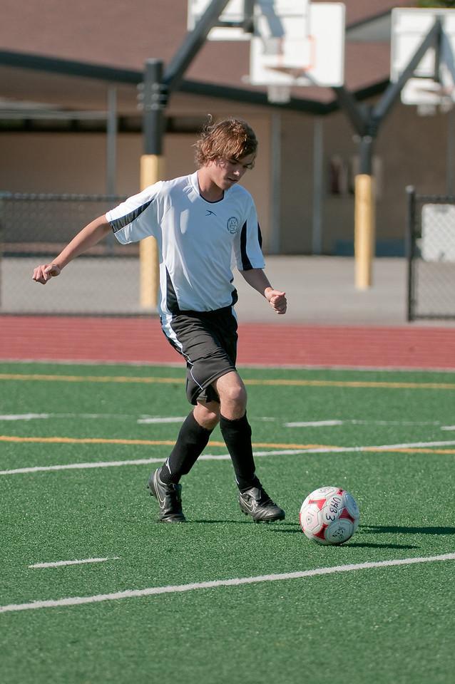 Los-Altos-Soccer-U16B-20090920155602_9886