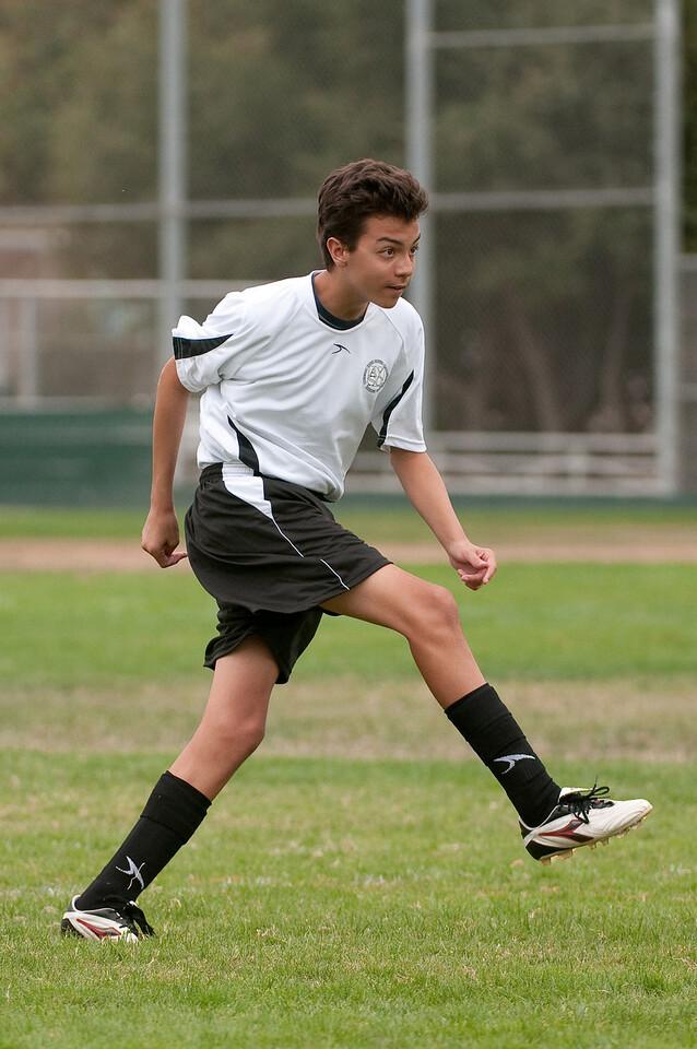 Los-Altos-Soccer-U16B-20090913135500_8465