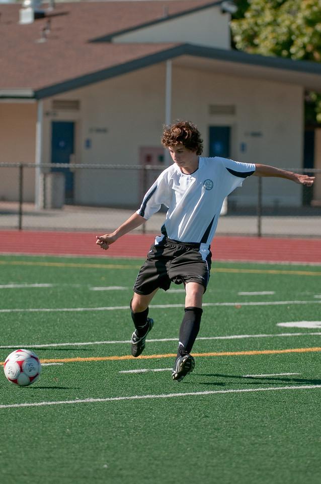 Los-Altos-Soccer-U16B-20090920155610_9892