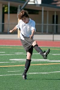 Los-Altos-Soccer-U16B-20090920155451_9855