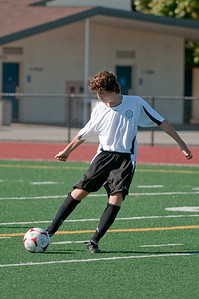 Los-Altos-Soccer-U16B-20090920155610_9893