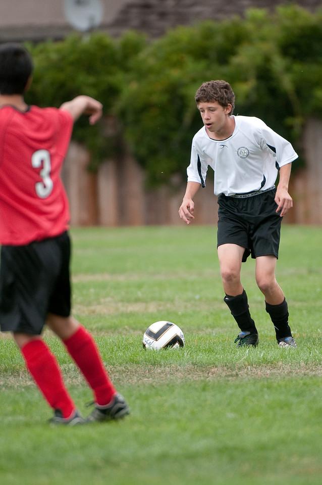 Los-Altos-Soccer-U16B-20090913143943_8705
