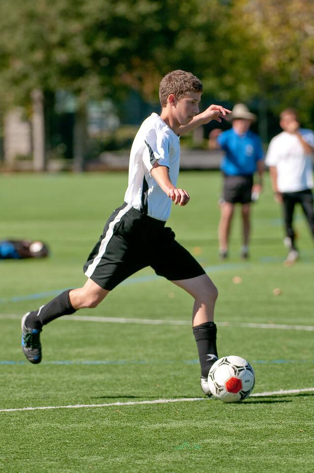 Los-Altos-Soccer-U16B-20091025131648_2455