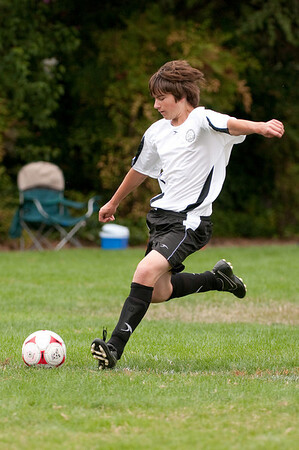Los-Altos-Soccer-U16B-20090913140014_8552