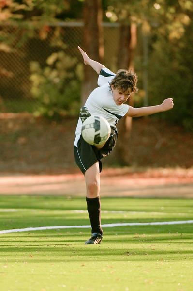 Los-Altos-Soccer-U16B-20091101163332_3216
