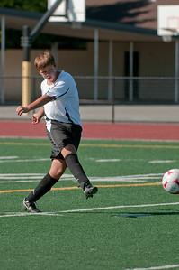 Los-Altos-Soccer-U16B-20090920155556_9884