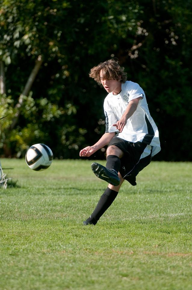Los-Altos-Soccer-U16B-20091004161524_20980